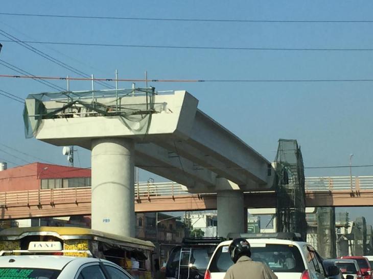 Line 2 v overpass